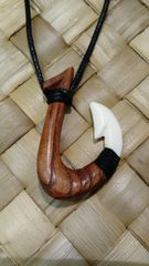 MatauLa'au - Wooden Hook with Bone