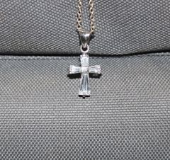 Buck Lee's Naturals Small Sterling Cross With Glass Center & Chain