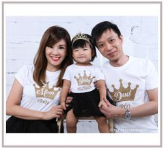 Luxurious Crown Family (Select own font colors)