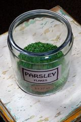Parsley Flakes - by the ounce
