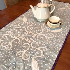 Tablerunner- Chantilly Lace :XIV