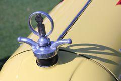 1925 Duesenberg Eight motometer
