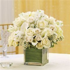 ALL WHITE CENTERPIECE - wed19