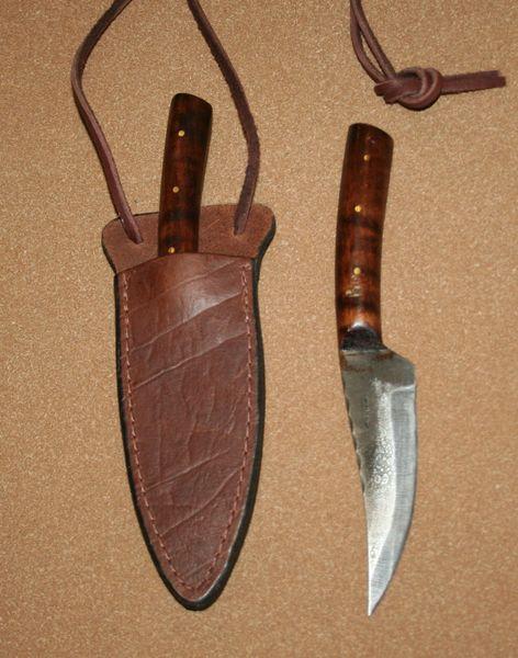 Medium Frontier Skinner w/Leather Neck Sheath
