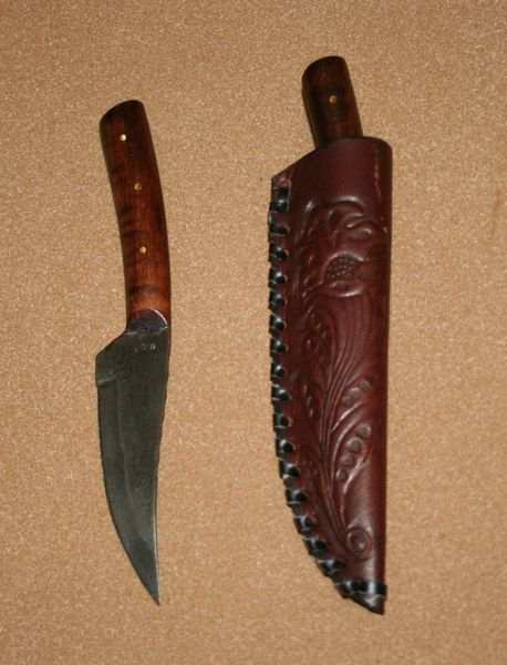 Medium Frontier Skinner W/ Stamped Leather Belt Sheath