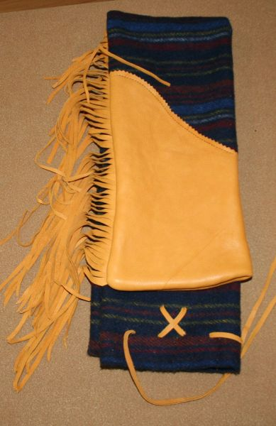 Buckskin Tip with Fringe Longbow case 02