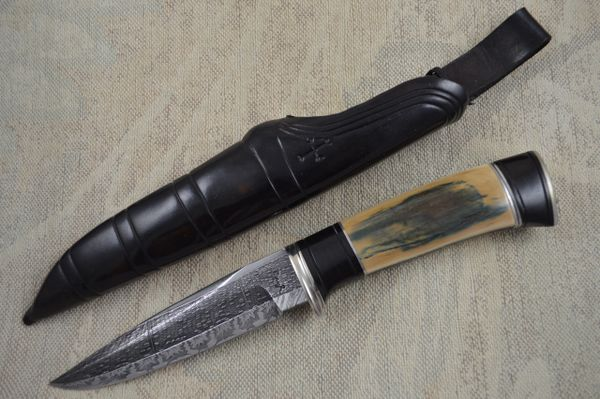 Roger Bergh Fossilized Handle and Damascus Hunting Knife