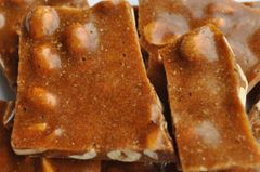 Peanut Brittle with Cayenne (MILD) (8 oz.resealable pouch)
