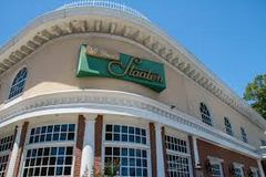 Wed, May 1, 2019 - Kentucky Derby at Staaten Inn