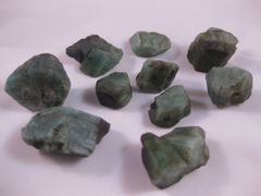 10 Emerald Crystals