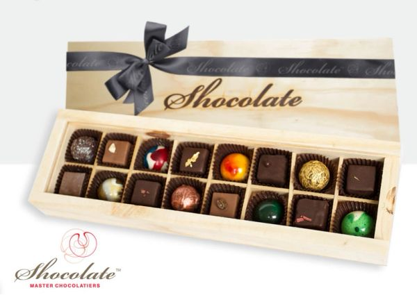 Shocolate 16 piece timber gift box