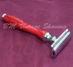 Double Edge Safety Razor - Wooden Handle - Red