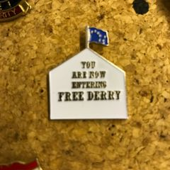 free Derry badge with starry plough