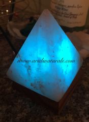 USB Himalyan White Salt Lamp Pyramid