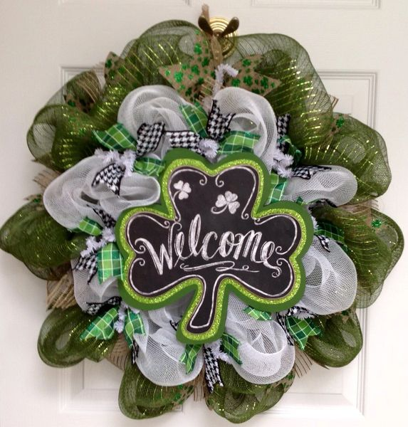 welcome shamrock st patrick 39 s day wreath handmade deco mesh what a mesh by diana. Black Bedroom Furniture Sets. Home Design Ideas